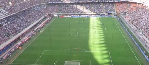 Uno stadio italiano durante una partita di calcio