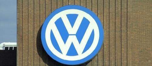 Volkswagen logo credits:wikimedia https://commons.wikimedia.org/wiki/File:VW_Logo_am_Heizkraftwerk_Wolfsburg_Nord.jpg