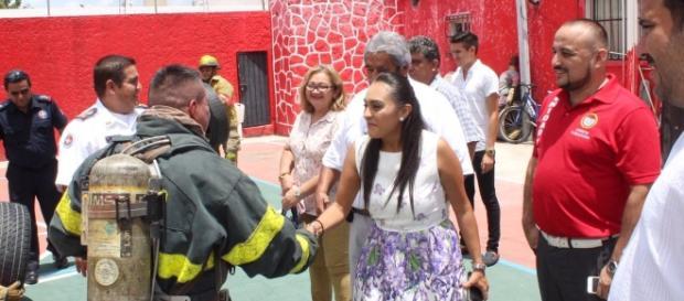 Berenice Sosa fue recibida por todo el personal de Bomberos