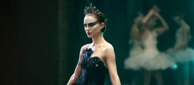 Black Swan: un mundo oscuro de la cinematografía de Darren Aronofsky LGEcine   Cisne negro (2010): Dicotomía emocional - lgecine.org