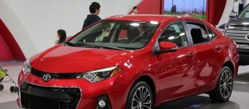 2015 Toyota Corolla (credit – TTTNIS – wikimediacommons)