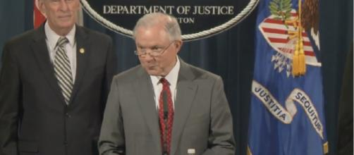 "Attorney General Jeff Sessions: ""This culture of leaks must stop"" (Reproduction Departament of Justice)"
