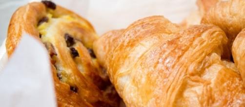 Croissant X France Food | https://pixabay.com/p-502011/?no_redirect