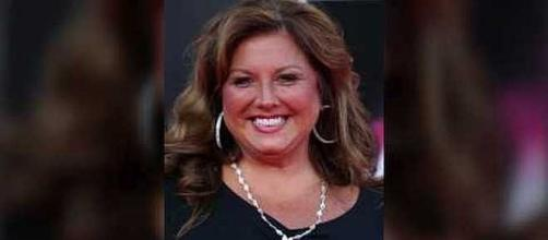 Is Abby Lee Miller tweeting from prison [Image: USA Today/YouTube screenshot]