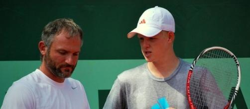 Kyle Edmund (right) of Great Britain (Wikimedia Commons - wikimedia.org)