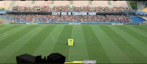 Les supporters montpellierains ont rendu un dernier hommage à Louis Nicollin (crédit : France Bleu Hérault)