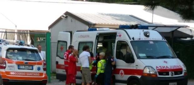 Arezzo: bimbo di 20 mesi cade dal primo piano di una palazzina - ilgazzettino.it