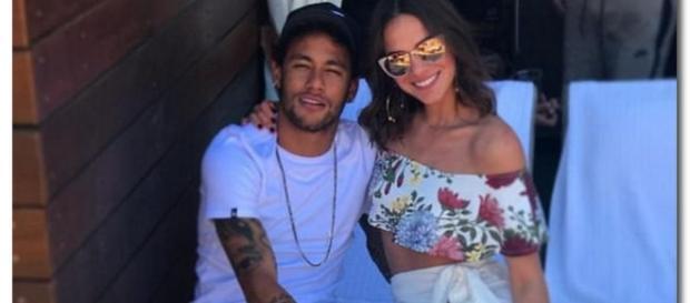 Celebrul fotbalist Neymar s-a despărțit de nu mai puțin celebrul model Bruna Marquezine, deși a declarat-o dragostea vieții sale-Foto: Daily Mail
