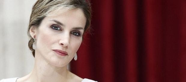 El lado desconocido de la actividad de la reina Letizia en París - monarquiaconfidencial.com