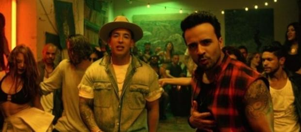 Luis Fonsi - Despacito ft. Daddy Yankee from YouTube/LuisFonsiVEVO