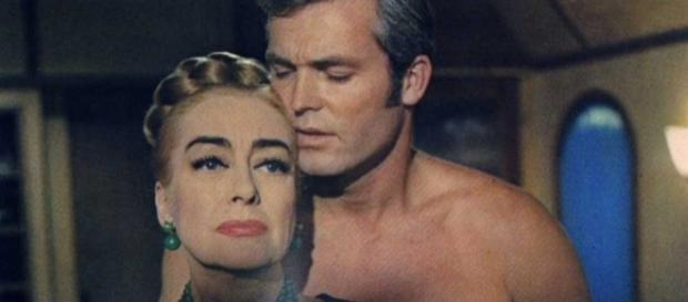Ty Hardin e Joan Crawford em Espetáculo de Sangue