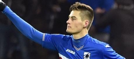 In alto l'attaccate della Sampdoria Patrik Schick