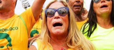 Suzana Vieira em protesto contra Dilma Rousseff no Rio de Janeiro