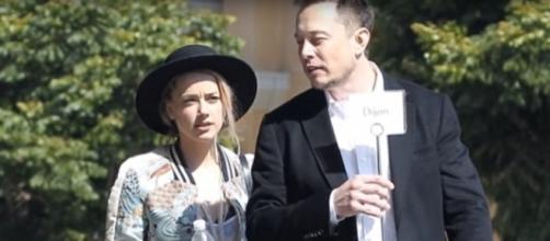 Amber Heard, Elon Musk - YouTube screenshot | Top News Today 24/7/https://www.youtube.com/watch?v=k_wWG_x3DeA