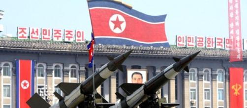Corea del Nord: 'Pronti 60 ordigni atomici', 'Guam sarà una palla di fuoco' - bergamosera.com