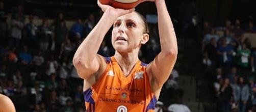 Diana Taurasi and the Mercury visit the Washington Mystics on Sunday afternoon. [Image via WNBA/YouTube]