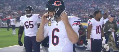 Former Chicago Bears QB Jay Cutler has agreed to a one-year deal with Miami. [Image via NFL/YouTube]