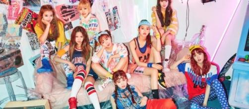 Weki Meki (WEME) releases their first group promo (via Fantagio Music)