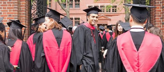 Harvard University students / Photo via Caroline Culler, Wikimedia Commons