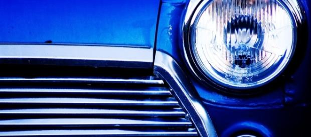 Via https://pixabay.com/en/car-front-light-blue-mini-vehicle-1204163/