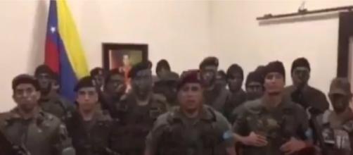El Capitán Juan Caguaripano, inactivo desde 2014, estuvo acompañado de 14 oficiales de la 41 Brigada Blindada de Valencia, Carabobo.