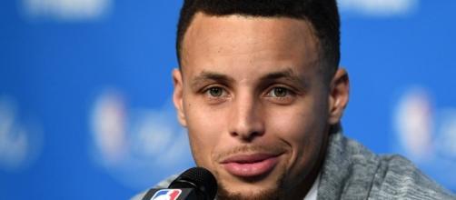 Golden State Warriors guardia Steph Curry recientemente habló de Kyrie Irving y los rumores relacionados con los Cavaliers de Cleveland.