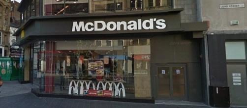 Incidente aconteceu no restaurante em Liverpool (Foto: Google Streetview)