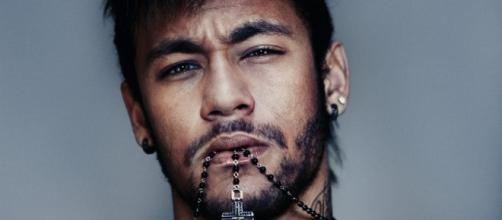 Neymar leva 10 amigos para curtir o final de semana em Paris.