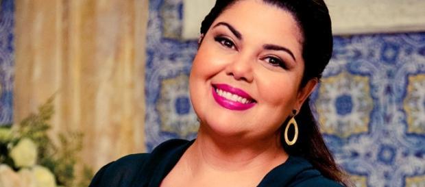 A atriz e humorista Fabiana Karla se lança como cantora