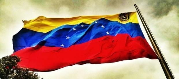 Bandera de Venezuela en el Warairaa Repano by Jonathan Alavarez C / CC BY-SA 3.0