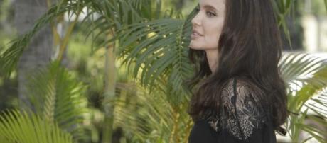 Angelina Jolie, presentato in Cambogia film su orrore Khmer rossi ... - blitzquotidiano.it
