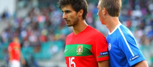 Andre Gomes could be joining Liverpool soon (Image: Wikimedia Commons/Catherine Kortsmik)