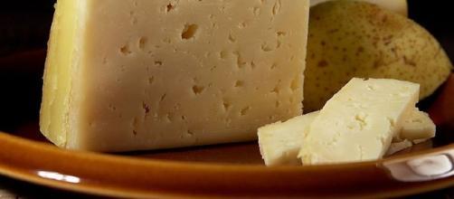 Cheese (Jon Sullivan wikimedia public domain)