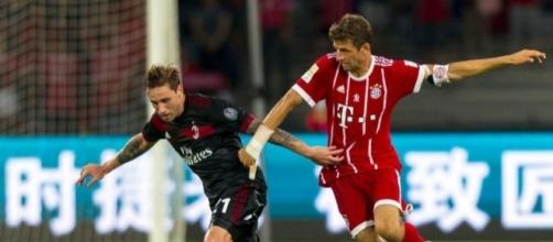 Lucas Biglia in occasione dell'amichevole Milan - Bayern Monaco del 22 luglio scorso (The Sun)