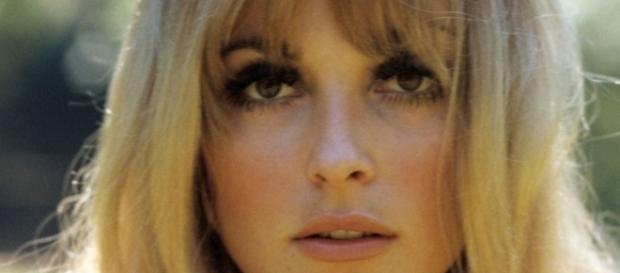 A bela atriz Sharon Tate, uma estrela interrompida