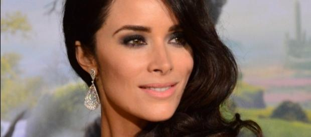 Abigail Spencer to appear as Owen's sister Megan. [Image via Wikimedia Commons]