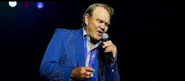 Glen Campbell dies at 81 from Alzheimer's disease [Image: Radio.com/YouTube screenshot]