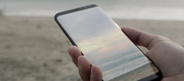 Image via Samsung Mobile/YouTube screenshot