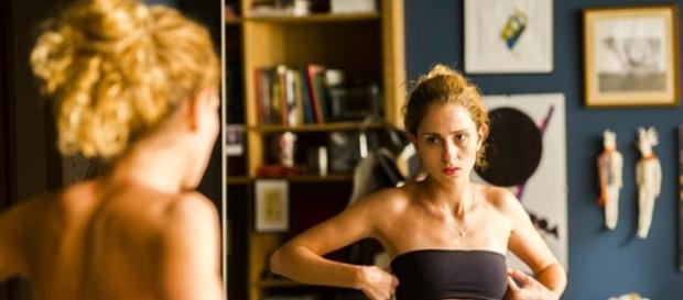 Ivana vai começar sua transformação em 'A Força do Querer' (Foto: Reprodução/TV Globo)