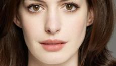 Anne Hathaway é confirmada como a protagonista do filme da Barbie