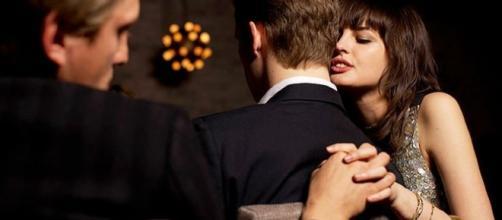 As casadas são mais propensas a ter um segundo romance do que as que só namoram
