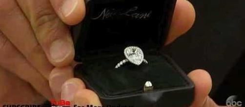 Bryan Abasolo proposed to Rachel Lindsay with a $100,000 ring [Youtube Times/YouTube screenshot]