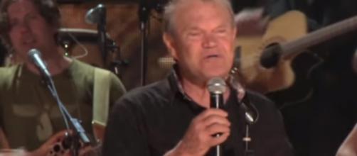 Glen Campbell's final tour - Image -CBS Sunday Morning | YouTube