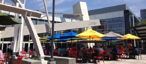 Googleplex, Mountain View, California, lunch time under Google's logo. / Photo via Jijithecat, Wikipedia Commons.