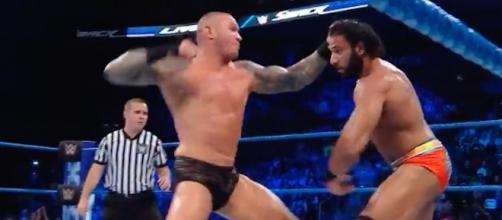 Randy Orton took on Jinder Mahal in the latest 'SmackDown Live' main event. [Image via WWE/YouTube]