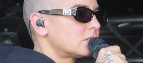 Sinead O'Connor posts concerning Facebook video-https://commons.wikimedia.org/wiki/File:Sinead_O%27Conner_July_2014_tattoo.jpg