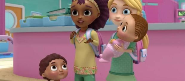 Disney apresenta casal lésbico em animação infantil