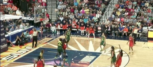 The Seattle Storm and Connecticut Sun battle on Tuesday night at Mohegan Sun Arena. [Image via WNBA/YouTube]