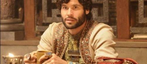 Asher volta rico para a Babilônia (Foto: Reprodução/RecordTV)