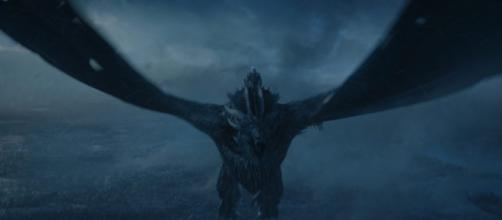 Game of Thrones: Le Roi de la Nuit chevauchant Viserion est une véritable arme de destruction massive !